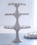 Ruffle Ceramic Cake stand - S - Made by Potluck